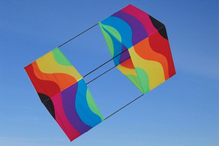 Box Kite Wavy rainbow