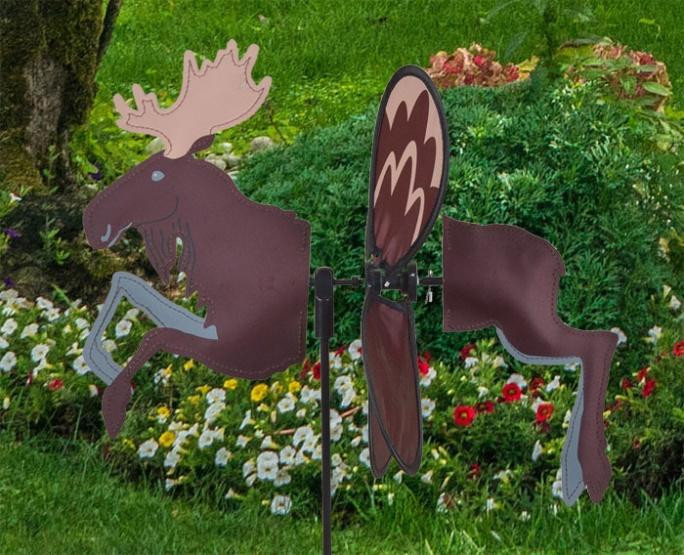 Petite windmill moose