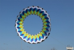 Ring Kite 6m white-blue-yellow